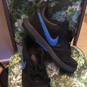 Nike Air Force low men's size 10.5